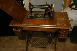 Antique Singer 127 Sphinx Treadle Sewing Machine Model with bench 1920's?