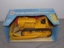 IH International Harvester TD-25 Crawler Tractor w/Blade 1/16 Ertl NIB LIGHT Yel