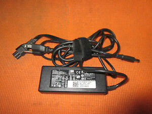 Dell LA90PM111/YD9W8 PA-1900-32D 90W 19.5V-4.62A AC Power Adapter