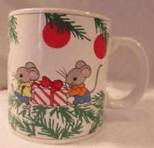 VINTAGE 1970's CHRISTMAS MICE w GIFTS & PINE TREE PORCELAIN 10 oz CUP MUG JAPAN