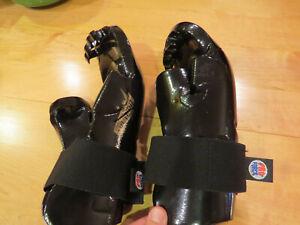 ProForce Lightning Karate sparring Gloves Adult M, lightly used - Black++