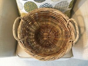 """LARGE STURDY ROUND WICKER BASKET DISPLAY WILLOW 2 HANDLES 15"""" ACROSS PERFECT"""