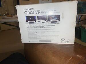 Samsung Gear VR Oculus Virtual Reality Headset SM-R323