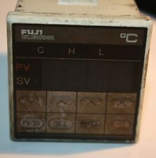 Fuji Electric PYZ4TAY2-1V Temperature Controller