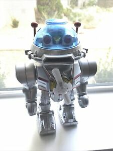 Star Defender Fighting Space Robot Needs Loving Home