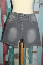 SHORT JEANS FEMME °°°  FAVORABLE   °°° STRETCH .TAILLE 40