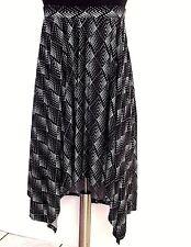 Handkerchief Hemline 2X Skirt Black White Slip-On Short Front Catherines
