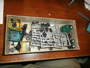 ATHEARN HO SCALE BLUE BOX KIT-ROAD TRACTORS--PARTS ONLY--PARTS ONLY
