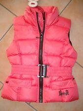 (43) RARE Tomboy Girls Jacke Daunen Weste mit Gürtel Logo Druck & Taschen gr.128