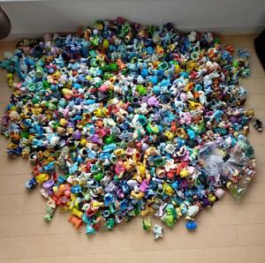"Pokemon toys lot of 20 random figures miniatures bandai Nintendo authentic 2"""