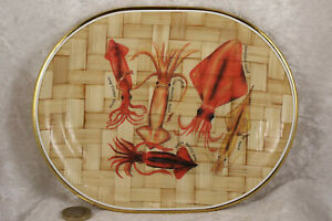 Small single plastic tray fish design 8 inches long 6.5 inches across