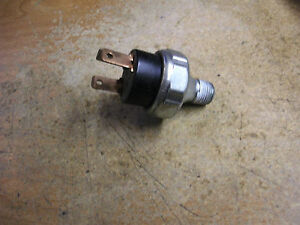 NEW MOPAR OIL PRESSURE SWITCH OEM 3747431 NOS (BARB6780 DS1387 B1)