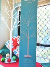 ONE METRE CHRISTMAS TWIG TREE WITH 15 CHRISTMAS 4cm BAUBLES