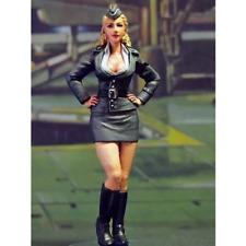 1:24 Woman in Uniform 3 Unpainted Resin Model Kit