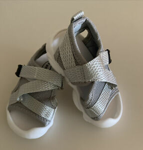 Toddler Shoes Open Toes Sandals Gray   SIZE 4 M   NEW