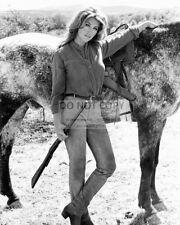 "MICHELE CAREY IN THE 1966 FILM ""EL DORADO"" - 8X10 PUBLICITY PHOTO (CC903)"