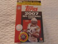 2007 Topps Football Bonus Box 10 Packs Plus One Extra 3 Card Red Hot Rookies