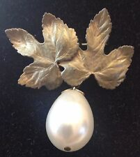 vintage authentic brooch Elsa Schiaparelli very rare