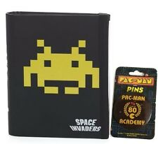 Space Invaders A6 Notebook And Pac-Man - Class of 80 Academy Badge Set