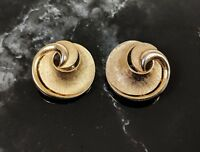 Classic Vintage Jewellery Gold-tone Clip On Earrings by Trifari 1950s Pat.15645