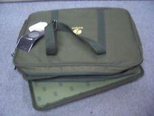 Shimano Tackle Tasche, 38cm x 27cm x 10 cm, neu olivegrün 2 gleichgroße Fächer