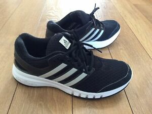 Adidas Cloudfoam Running Trainers Size 6.5 .. Black Three Stripe