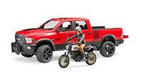 Bruder 02502 RAM 2500 Power Wagon Pickup Dodge + Ducati Enduro + Fahrer