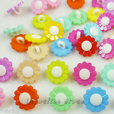 20 Botones con forma de margarita -  varios colores