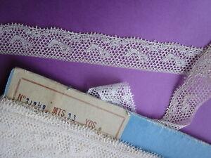 Dentelle fuseaux type Valenciennes ancienne 2,5 m x 2,2 cm
