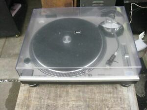 technics SL-1200MK2 Direct Drive Turntable 1982 Beautiful