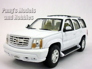 Cadillac Escalade (2002) 1/24 Scale Diecast Metal Model by Welly - WHITE