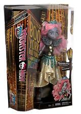 Mattel CHW61 Monster High Bambola Boo York Mouscedes King Figlia Del Re