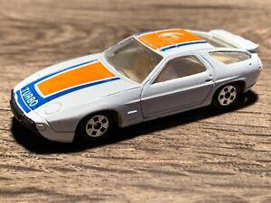 1/64 1987 Porsche 928 S4