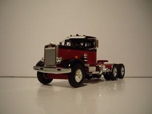 FIRST GEAR DCP 1/64 RED AND BLACK PETERBILT 351 DAY CAB