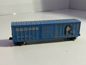 Roundhouse Rock CNW ROUTE ROCK N SCALE BOX CAR WEATHERED