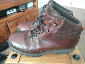 Mens Brasher Hillmaster Classic Gtx Hiking Boots Size 9(43). Gore-tex