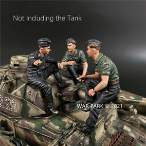 WAR PARK MINIATURES 1:30 WW2 GERMAN KU076 WEHRMACHT TANK CREW SMOKING & TALKING
