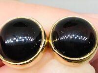Cab Garnet earring in 9ct gold