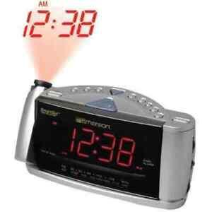 Vtg Emerson RESEARCH CKS3516 SmartSet Time Projector Dual Alarm Clock AM/FM