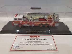 Code 3 1/64 - Mack CF FDNY aerial 41- Fire truck pompiers