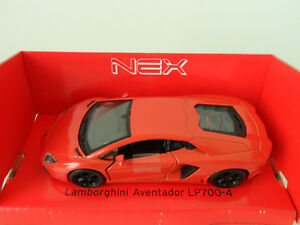 LAMBORGHINI AVENTADOR LP700-4 Welly Nex Modellauto Model Car Pull Back NEU & OVP