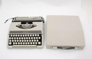 VTG 1970s Royal Mercury Typewriter Portable w/ Hard Carrying Cover Case