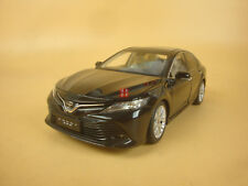 1/18 China 2018 8th generation New toyota Camry black color + gift