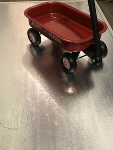 Vintage Radio Flyer Small Version Wagon, PreOwned. Good Condition.