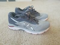 Women's ASICS GT 2000 6 (T855N-9693) Running Shoes. Size 9.5
