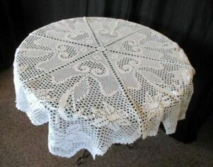 """Vintage round tablecloth with daffodils -40""""dia-Hand crochet-White"""
