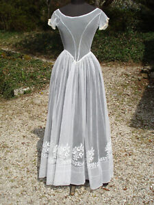 robe ancienne romantique  tulle brodé -  antique early victorian lace dress gown