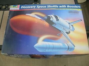 REVELLE DISCOVERY SPACE SHUTTLE SHIP W BOOSTERS 1/144 SCALE MODEL KIT