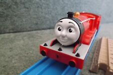 TOMY TRACKMASTER THOMAS TRAINS-JAMES, TALKS IN JAPANESE,BRAND NEW IMPORT ITEM