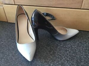 Shoes - Nine West 6w - Size 4 1/2 - White And Black